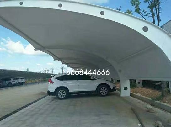 膜结构汽车停车棚